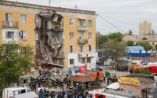 Жители разрушенного взрывом газа в Волгограде пострадали и от воров