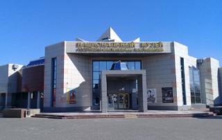Уникальное буддийское полотно получил дар Национальный музей Калмыкии