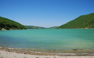 Власти Кубани мониторят вышедшее из берегов озеро