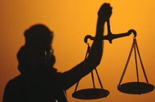 Перед законом придется ответить судье