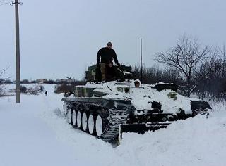 Снег под Волгоградом расчищала военная техника