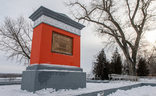 Подрядчик недобросовестно отремонтировал памятник