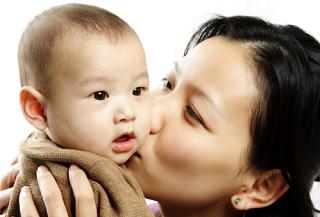 Молодые мамы Калмыкии получат материальную помощь