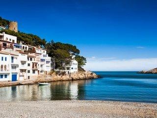 Чем обусловлена популярность приобретения недвижимости в Испании на побережье Коста Брава