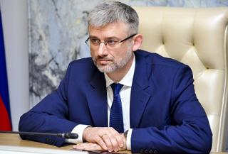 Безопасные и качественные дороги обсуждали на селекторном совещании с участием Мурата Кумпилова