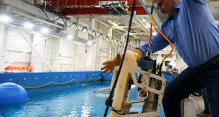 Разработчики телеуправляемых подводных роботов представили свои модели на кубке России