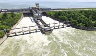 Об укреплении берегов Краснодарского водохранилища говорили Кумпилов и Авдеев