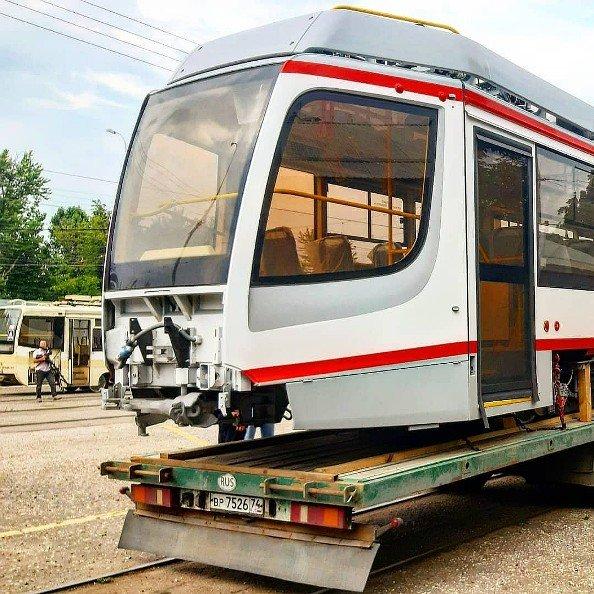 В кубанскую столицу прибыл новый трамвай из Челябинской области