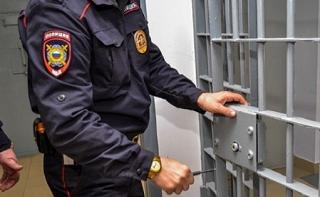 Сотрудник уголовного розыска осужден за передачу личных данных паспортов посторонним