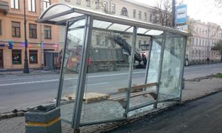 Остановки с прозрачной крышей вызвали недовольство ростовчан