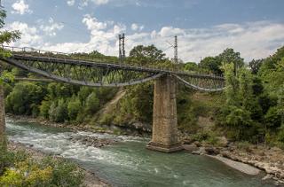 Ремонт моста через реку Белая взяли под контроль активисты