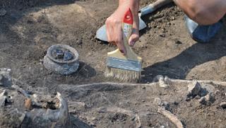 Сотрудники Волгоградского краеведческого музея ищут возможности реставрации старинного гуннского котла