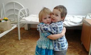 Детям - сиротам пытались помочь обрести семьи в Астрахани