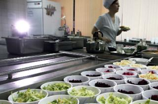 Нарекания за школьное питание получили образовательные учреждения Калмыкии