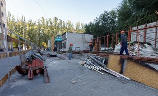 Торговые ВИП павильоны в центре Волгограда все-таки несут