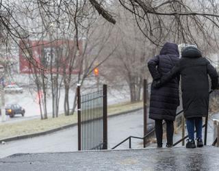 Коммунальные службы не торопились реагировать на гололед в Волгограде
