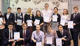 Студентка Астраханского госуниверситета Ксения Варламова стала одной из «УМНИКов — VR»