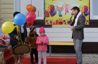 На торжественном открытии детского сада «Тюльпанчик» в Элисте присутствовал Бату Хасиков
