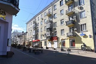 Центр Ростова перекрыли металлическими ограждениями