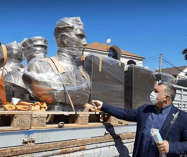 В Сочи возвели памятник Герою СССР А. Турчинскому