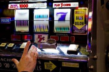 Почему стоит играть в виртуальные игровые автоматы на деньги