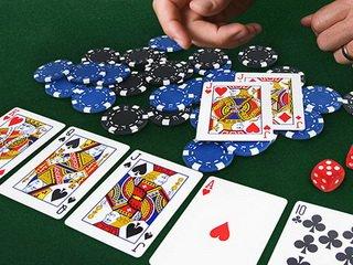 Академия покера учит играть онлайн