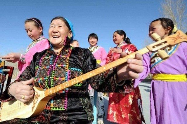 Ойраты Синьцзяня и Внутренней Монголии КНР поздравили жителей Калмыкии с Урюс Сар