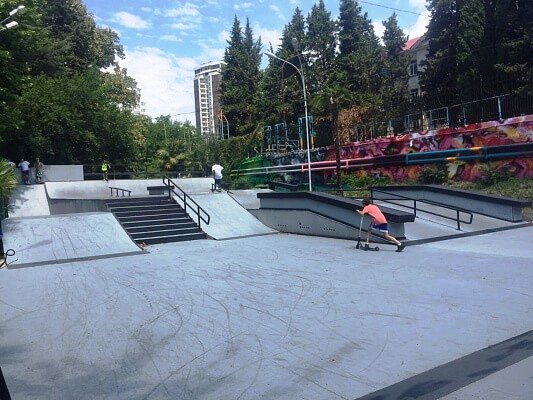 В Сочи после реконструкции открылся скейт-парк «Вилла Вера»