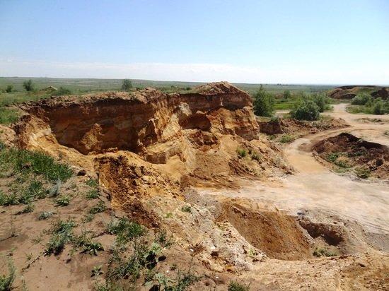 В Черноземельском районе предприниматель занимался незаконной добычей грунта