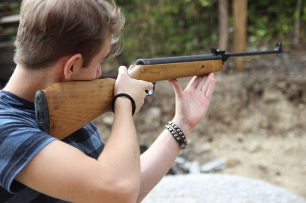 В Астрахани спасли ребенка с пулевым ранением