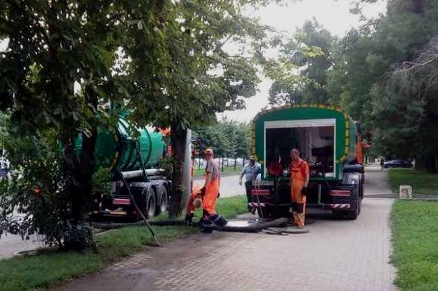 194 км ливневок прочистили в Краснодаре
