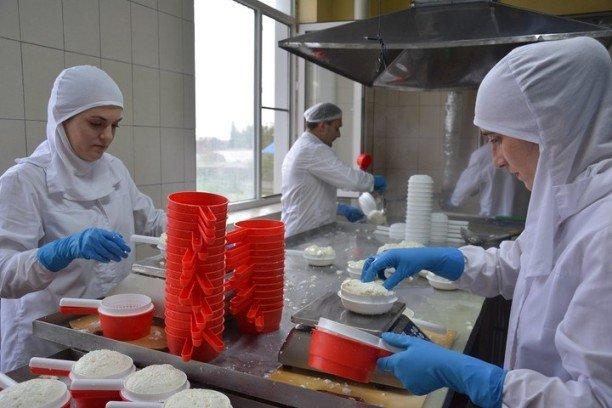 Глава Адыгеи выступил с инициативой совершенствования контроля качества молочной продукции