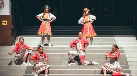 Астраханский вуз проводит бесплатные занятия по вокалу и хореографии