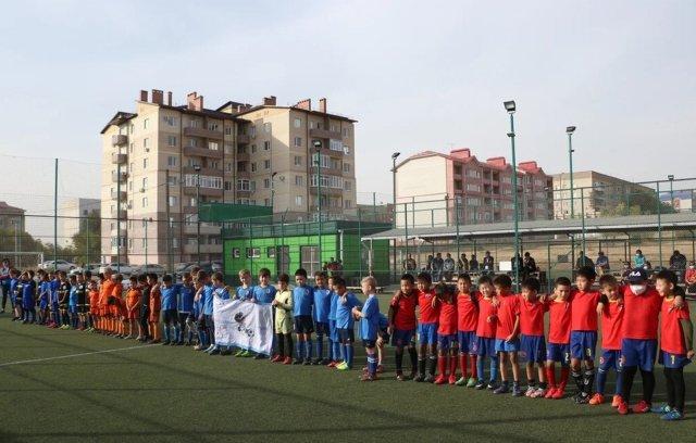 В Калмыкии состоялся детский турнир по футболу