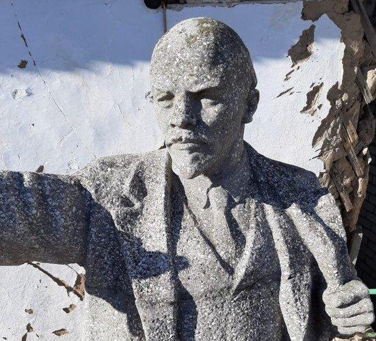 В Волгограде убрали памятник Ленину