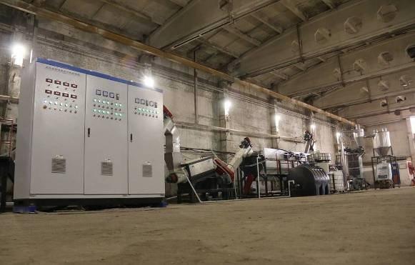 В астраханской ИК открыли комплекс по переработке вторичного пластика