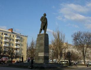 В Ростове предложили вместо памятника Ленину установить монумент Николаю Второму