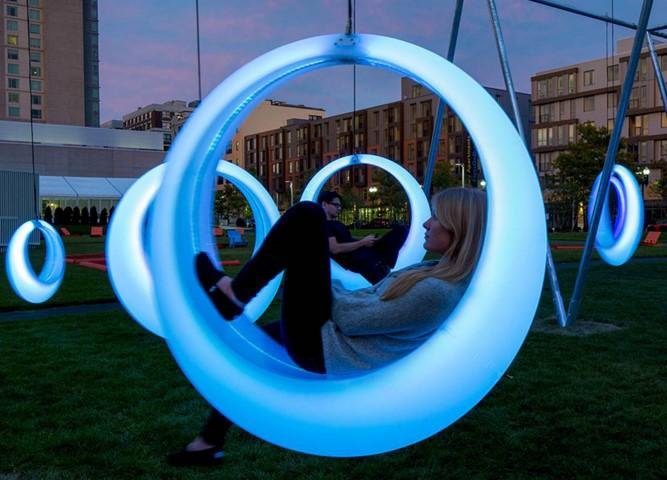В Сочи к летнему курортному сезону улицы украсят новыми светодиодами