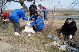 Астраханцы очистили памятник природы от мусора