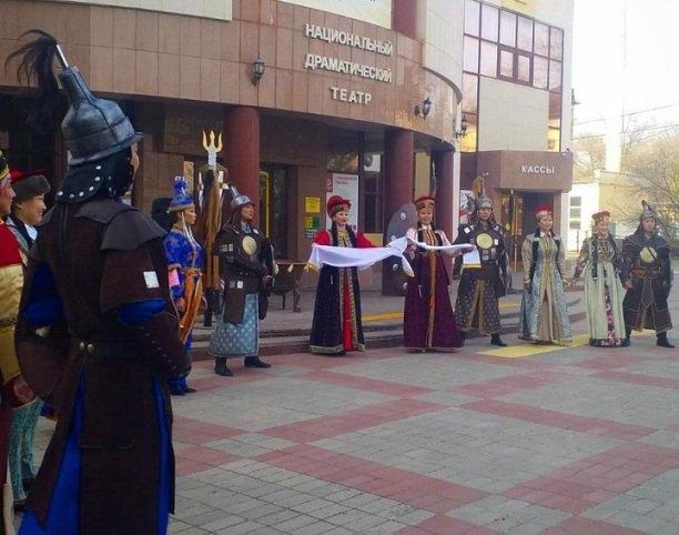 В Калмыкию на гастроли приехал Национальный театр Карелии