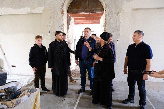 И. Бабушкин проверил ход строительства храмов в Астраханской области