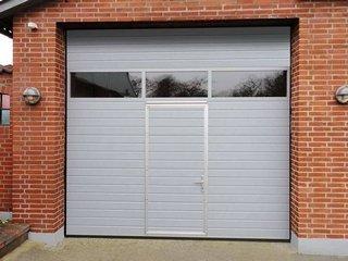 Секционные ворота для гаража — нюансы выбора и установки