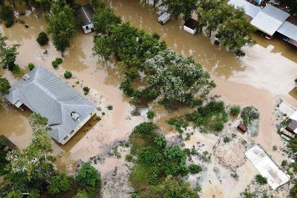 На Кубани эвакуировано 1,5 тыс. человек, 100 тыс. остались без света