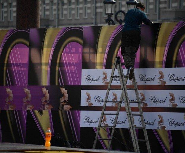 В Ростове до конца года демонтируют более 450 незаконных рекламных конструкций